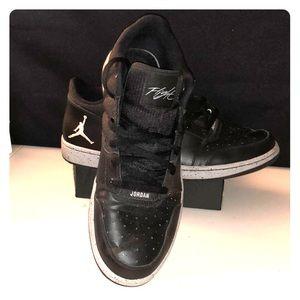 Black Jordan's Flight Sz 13
